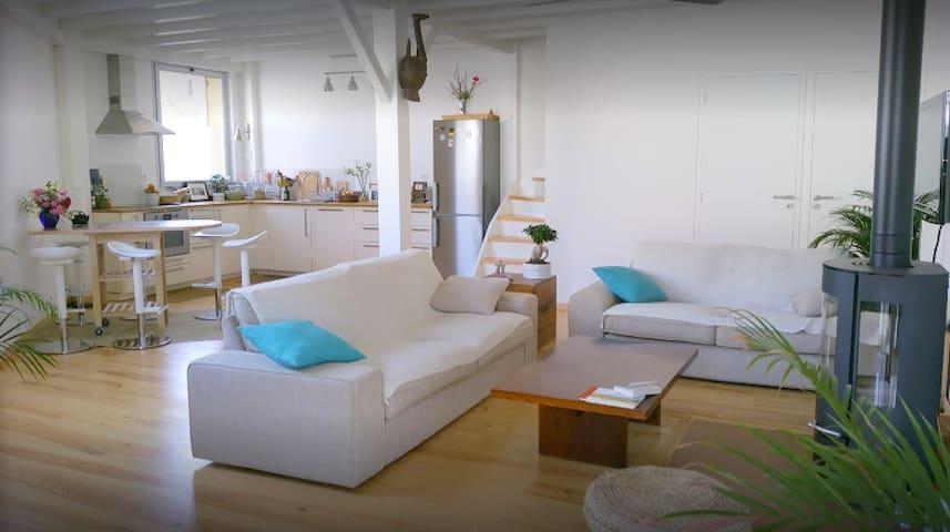 Beau loft T3 spacieux, proche centre et plage