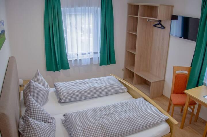 Gasthof-Metzgerei Altmann (Eschlkam), Doppelzimmer Comfort mit WLAN