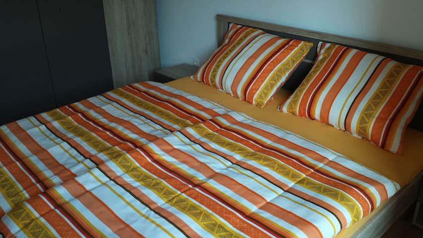 Room Akacijev Izvir - Miklavž na Dravskem Polju - Apartamento