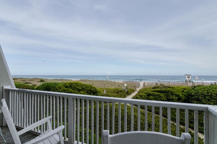 Warshauer-Enjoy private beach access for sunrise and community pier/gazebo for sunsets