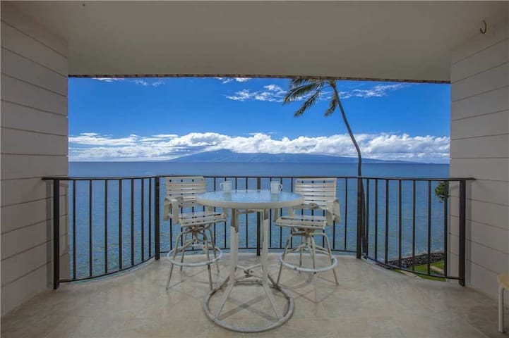 Completely remodeled Ocean Front condo at Kahana Reef #401