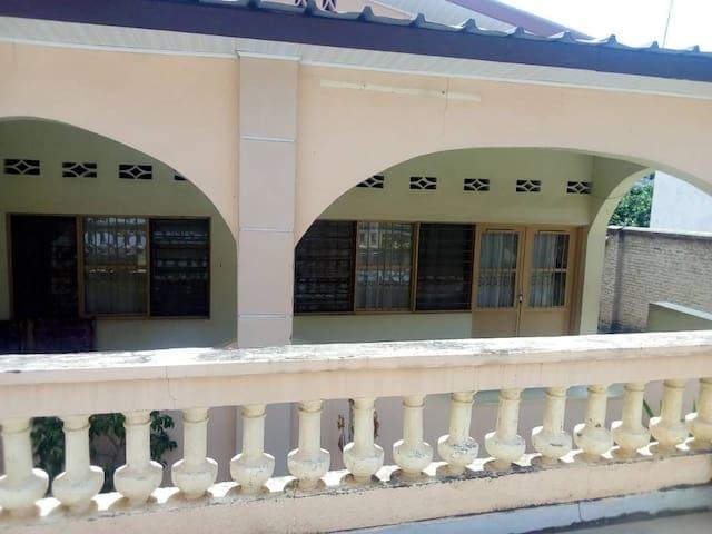 Joli studio SHIMA à Buja, idéal pr 1 à 2 personnes