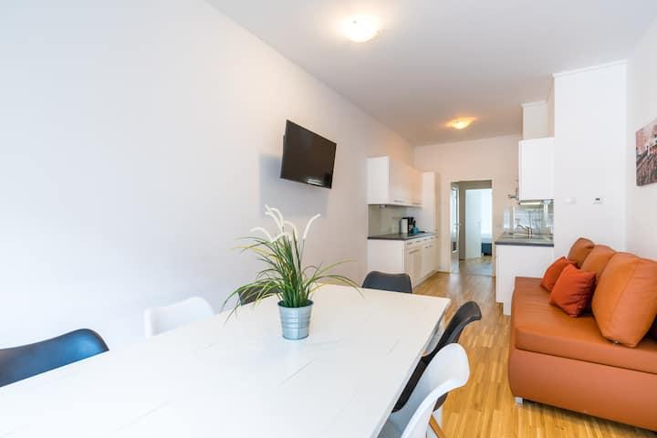 Green Living Apartment VIII mit Balkon und Küche
