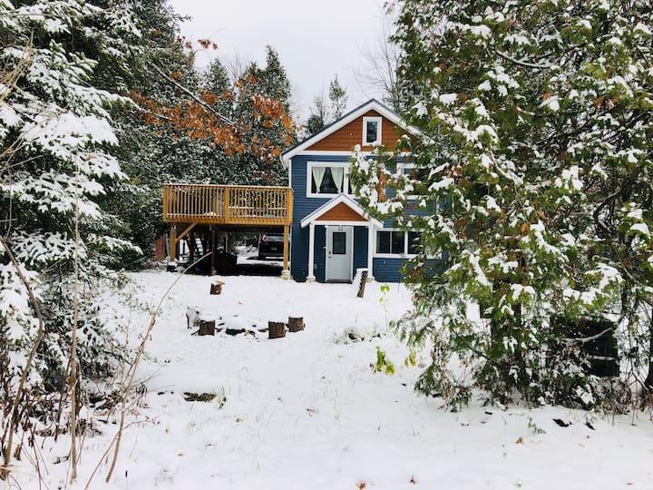 Modern Cottage w/ Hot Tub on Trail - Hike/Bike/Run