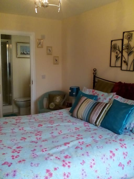 Comfortable Bed with Ensuite shower room and lots of storage