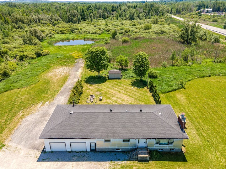 1-BDR Condo in a Farm w Pond Near Innisfil Beach