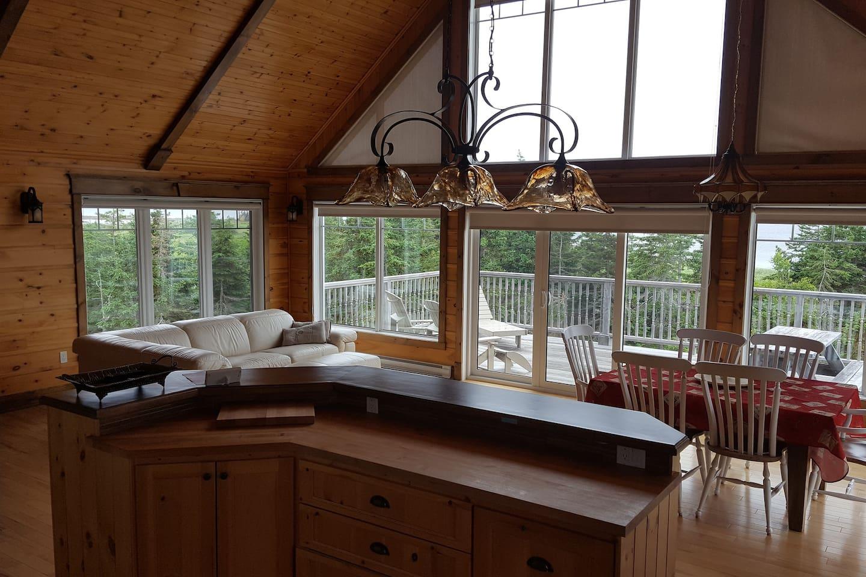 Salon, cuisine et salle à manger, 2e étage