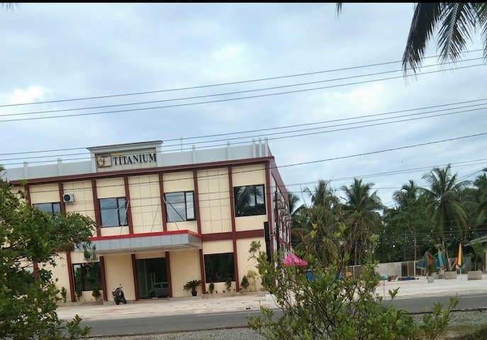 Hotel Titanium Lokasi Strategis Nyaman Dan Murah
