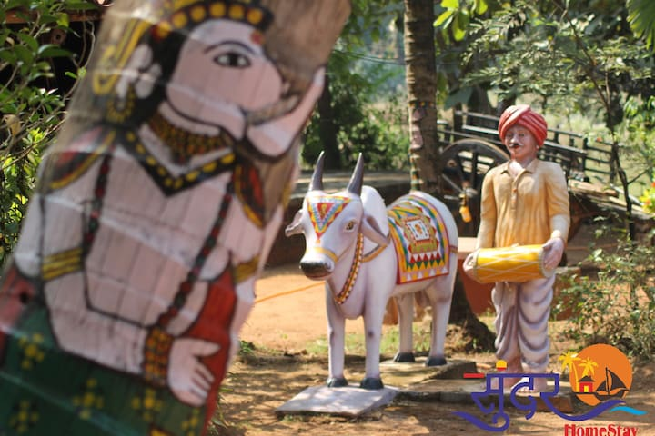Sundar Tourist Homestay. Kala Angan Museum gallery