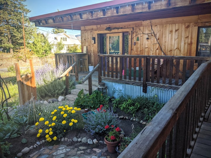 Beautiful Artsy Small Town Charm in the Methow