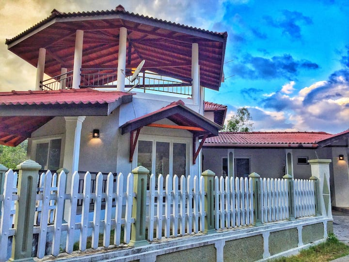 ★ Gorgeous Homestay ★ 2.5km to City ★