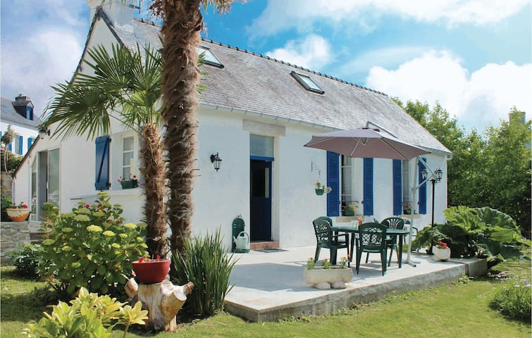 Holiday cottage with 2 bedrooms on 129m² in La Forêt Fouesnant