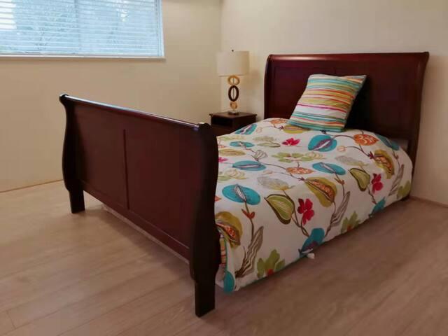 Your home at Tsawassen Room 1