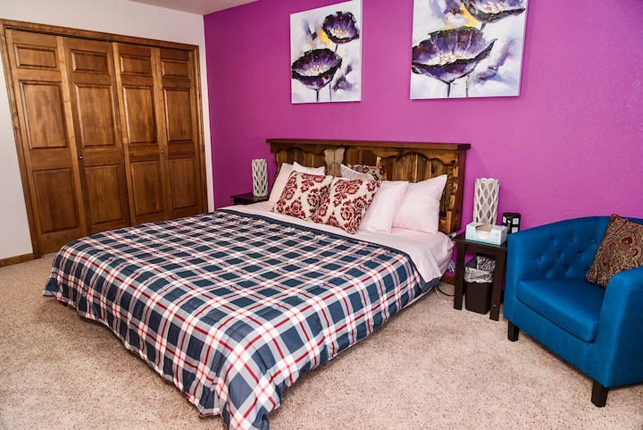 Cozy & Affordable private suite near Fort Collins