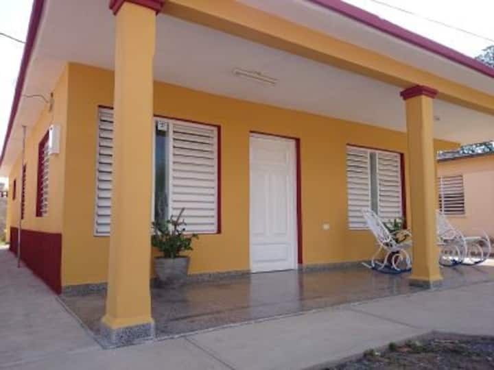 Casa Idisbel y Kirenia Room 1 (VIN)