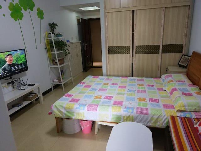毗三峡广场核心商圈邻重大AB区温馨舒适两居室