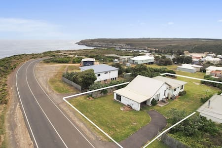 Affordable Seaside Family Escape - Port Campbell