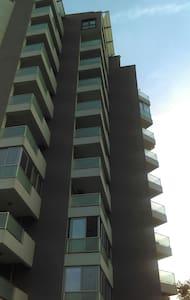 Уютная квартира 70 м . Бар - Bar - 아파트