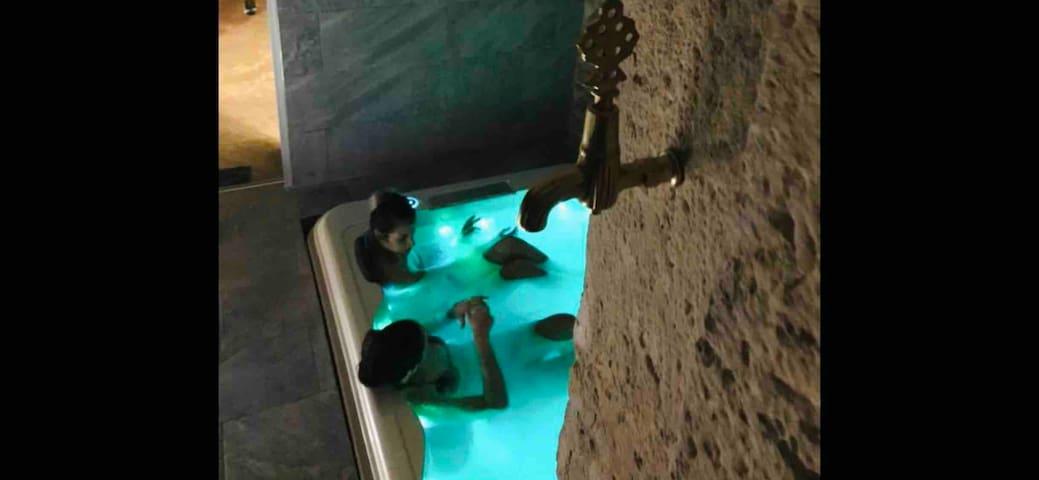 Jaccuzi & spa des caves Stanislas au cœur de nancy
