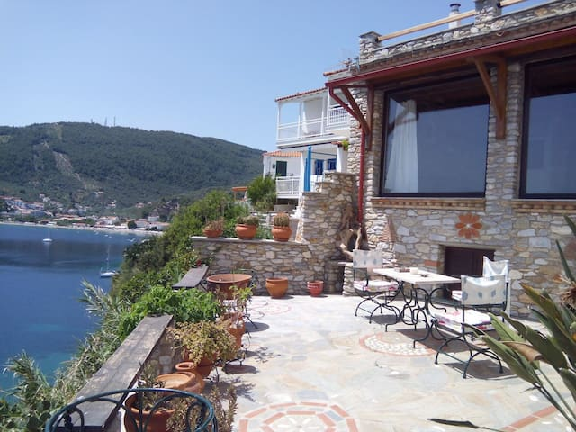 traditional house with dream views in Plakes - Skiathos - Dom