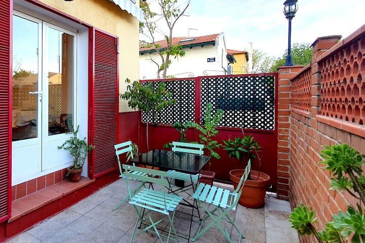 Casa con patio junto Caja Magica y Hosp. Doce Oct