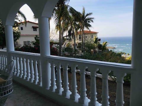 Peaceful Ocean View Studio .