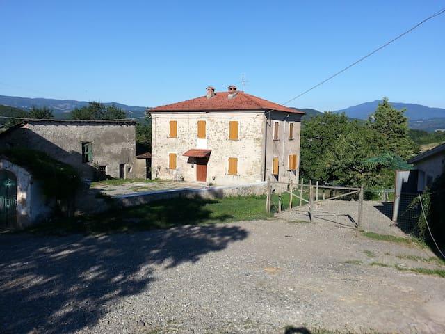 Boniceto Farm House - Albareto - Rumah