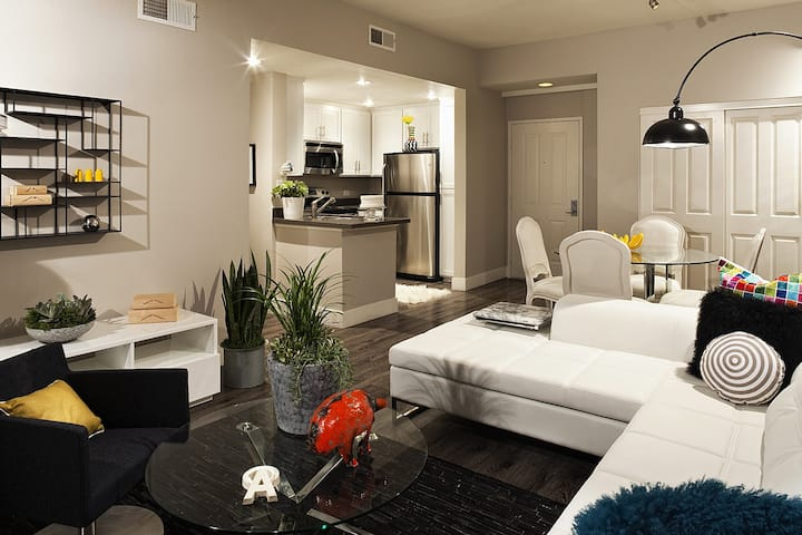Cozy apartment for you   3BR in Santa Monica