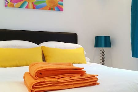 Private en-suite mini studio - York - Talo