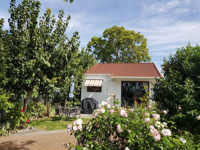 Osier Self Contained Garden Cottage