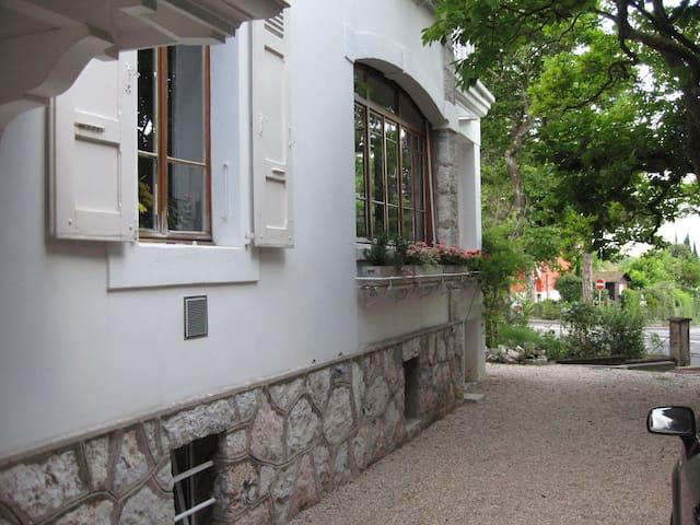 AGUA DE ORO - GENEVE - CHÊNE-BOURG