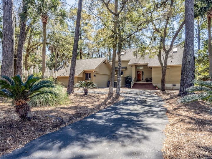 Family Friendly 3BR/3.5BA Home, Pet Friendly, Amenity Cards Available!