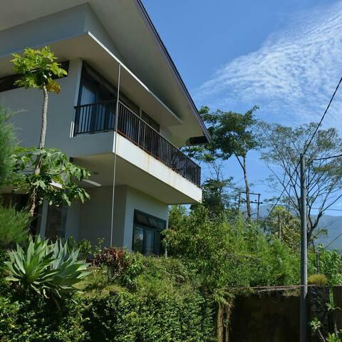 MOUNTAIN VIEW HOUSE 2nd floor Twin Bed near Batu