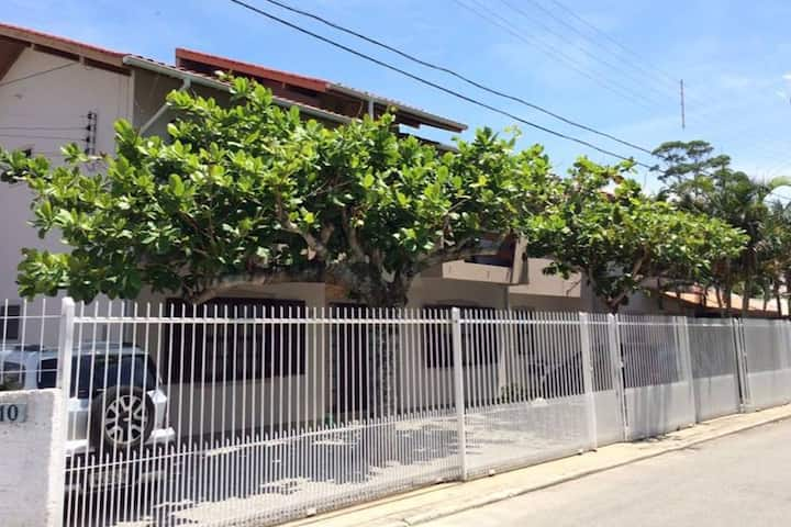 APTO DUPLEX - 05 - Florianópolis - 2Dorm.