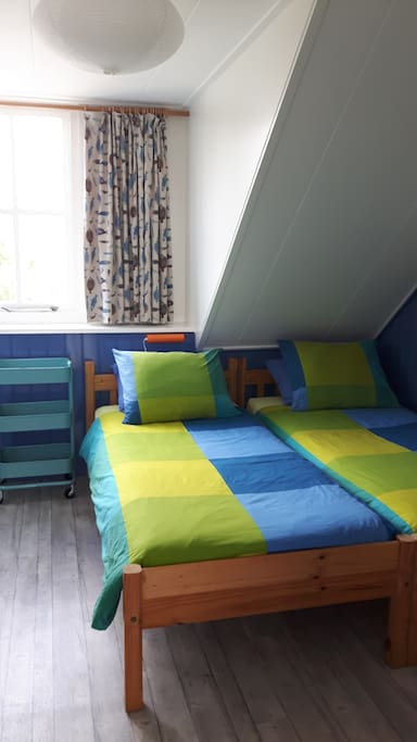 Gezellige kamer bed breakfasts for rent in zoutelande zeeland netherlands - Bed kamer ...