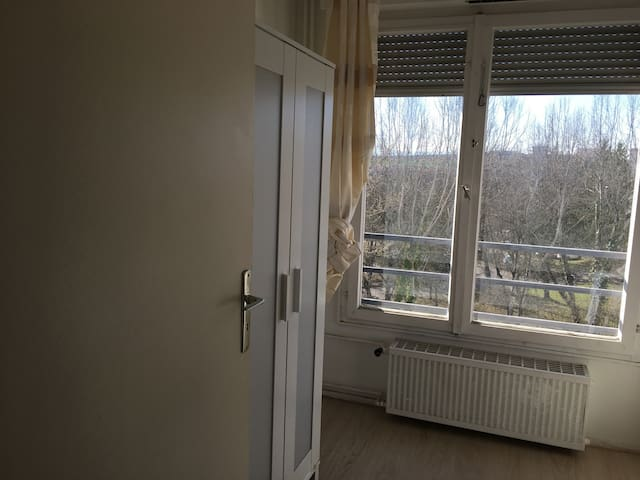 One room to share in T3 apartment. - Saint-Genis-Pouilly - Apartment