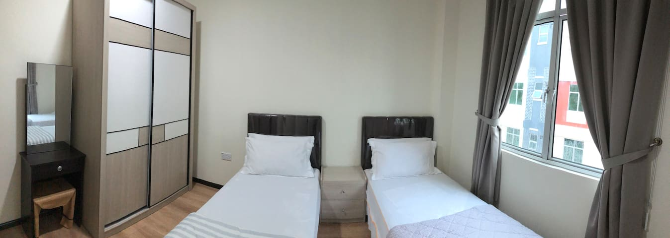 Bedroom no.2 with two single beds