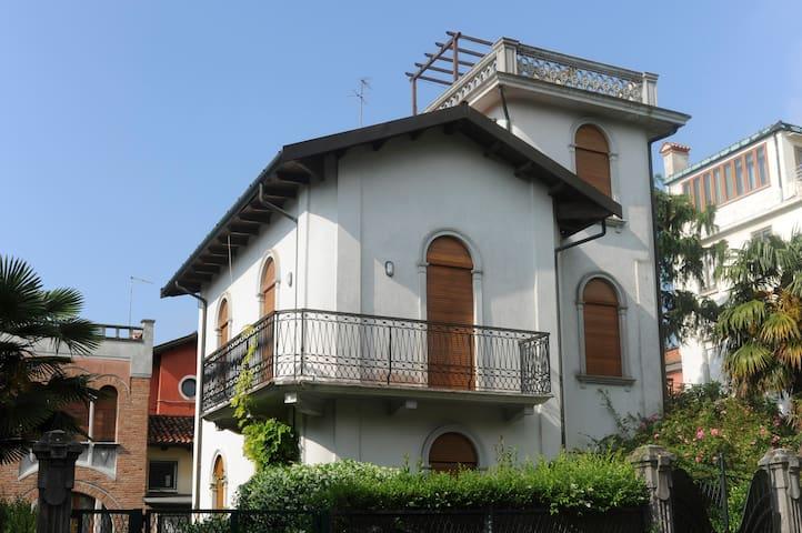 Apartment with garden near beaches in Venice Lido