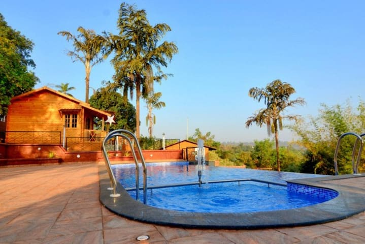Cozy Woods with an Infinity Pool - Cottage 5