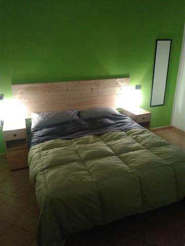 Ampio appartamento in pieno centro storico - Foligno - Apartament