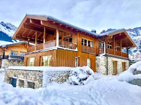 4 min walk to the Ski school. Winterview