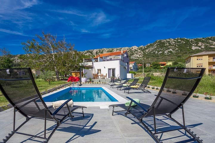 Studio w pool,5 min drive to beach - Draga Bašćanska - Lejlighed