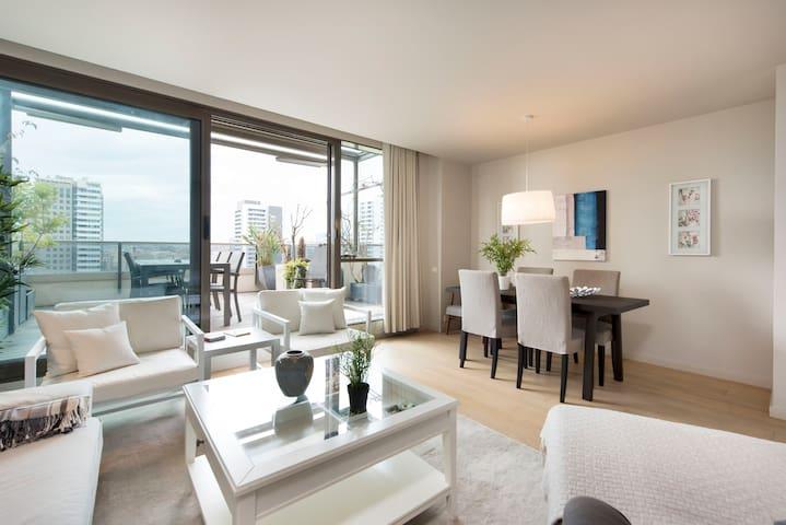 Amazing Penthouse Double/Single bedroom