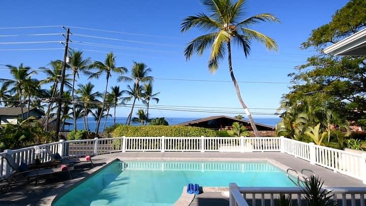 Oceanside Luxury House with Pool just steps to Kahalu'u Bay!