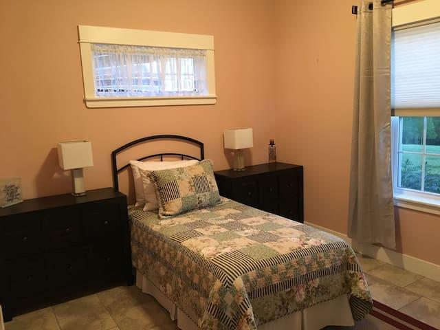 Third bedroom Twin bed