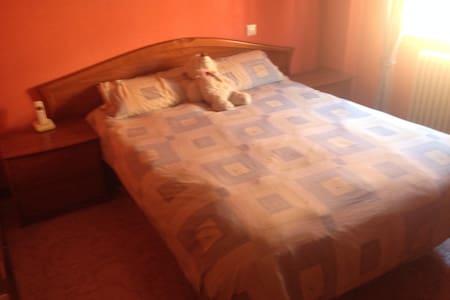 habitacion  a 50km de Madrid - Wohnung