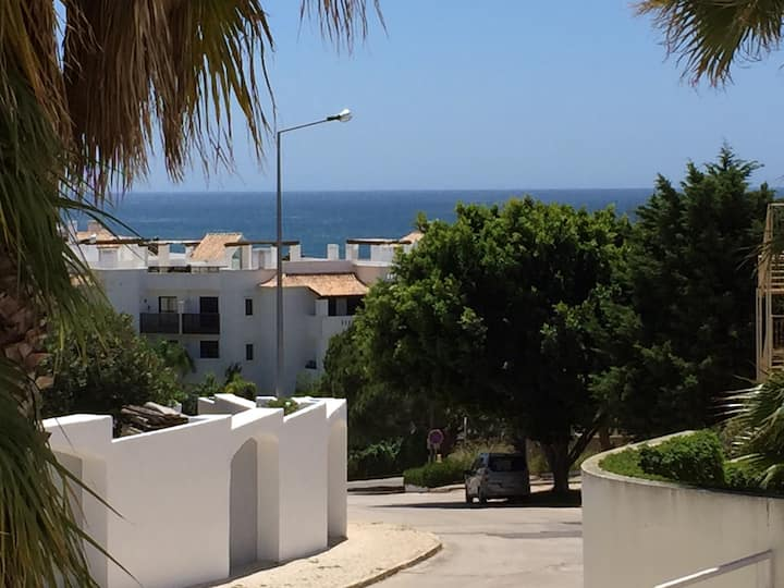 Spacious apartment - Porto de Mós beach