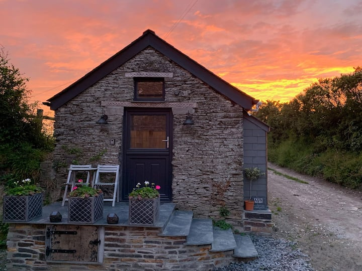Beautiful studio barn-sleeps 2-rural-padstow