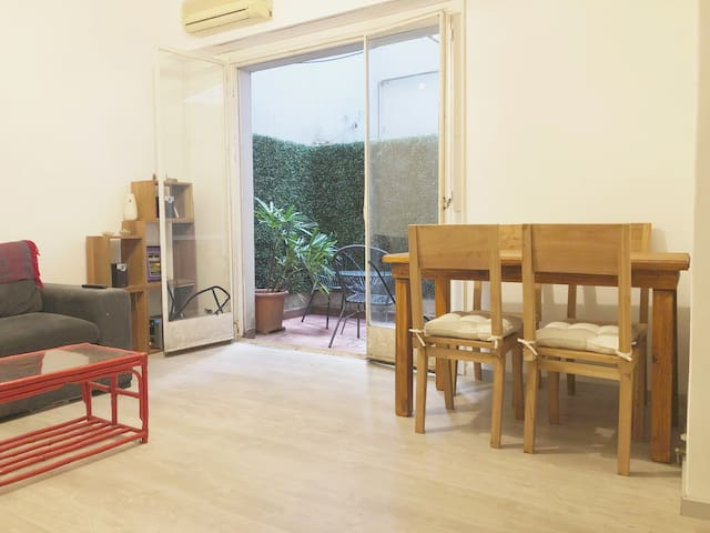 Apartment in Palermo Woods: location, life, parks
