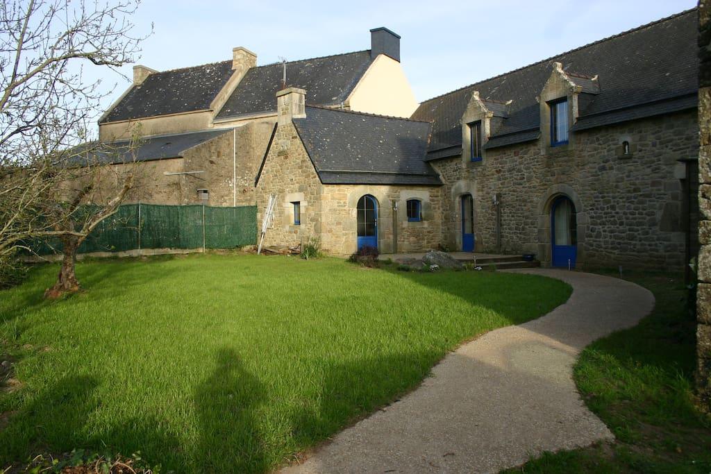Authentic long house seen on ria casas en alquiler en sainte h l ne breta a francia - Casas de alquiler en francia ...